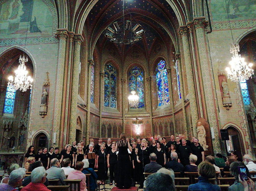 Medina Community Choir at La Fleche, France, August 2019